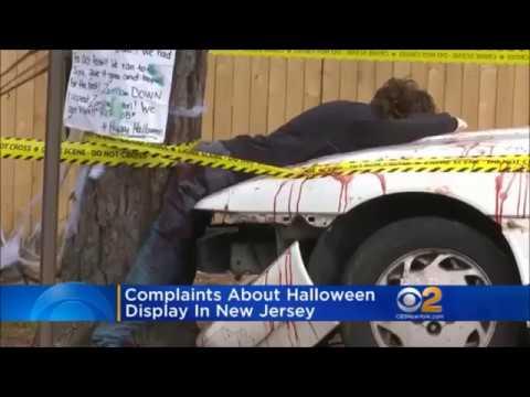 Waretown, New Jersey: Halloween Car Crash Display