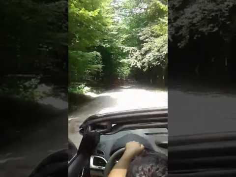 Üstü açık arabayla keyif