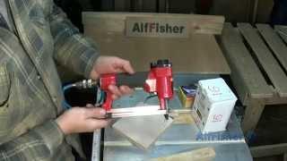 видео Инструменты для ремонта - скобозабиватель (степлер строительный) - Мир ремонта