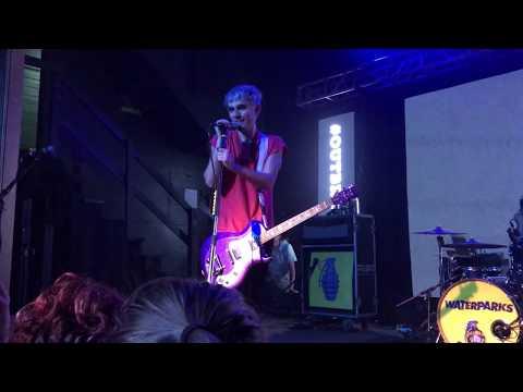 Awsten Knight Sings Wonderwall