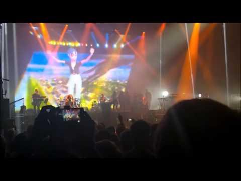 Gorillaz - Sleeping Powder (Live Debut on Brixton London)