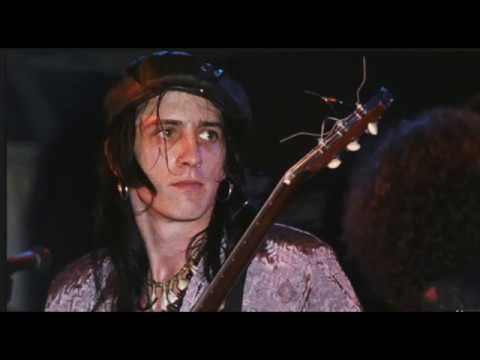 Guns N' Roses: The Moment That Changed Izzy Stradlin's Life!