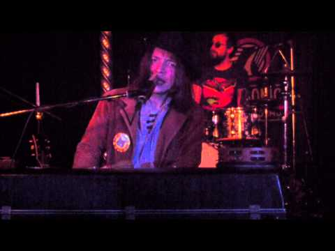 Jacco Gardner - 'The One Eyed King' (Live at Moulin Rouge, Groningen, January 17th) HQ mp3