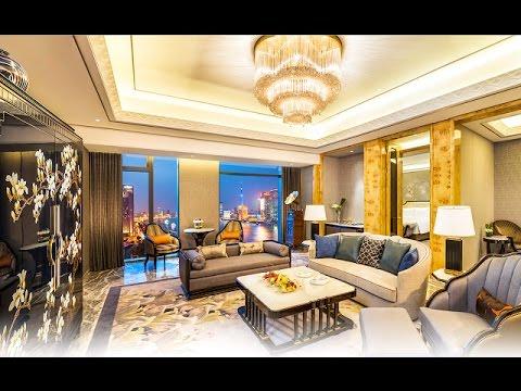 "wanda-reign-on-the-bund-in-shanghai,-china---shanghai's-first-""seven-star""-hotel"