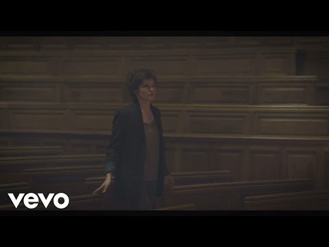 Louane - Nos Secrets (Clip Officiel)de YouTube · Durée :  3 minutes 32 secondes