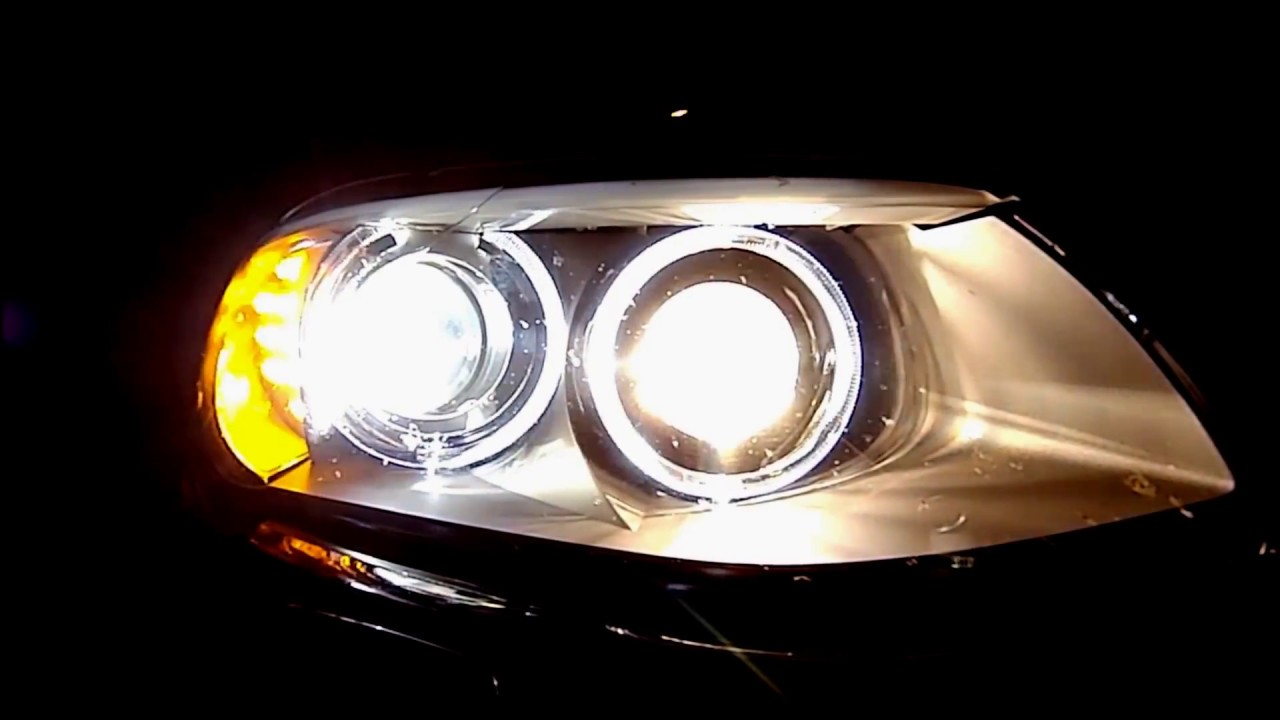 BMW E92  Adaptive xenon headlights on roads