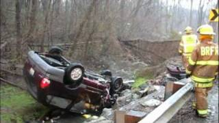 2 taken to hospital after wreck in Manor Township