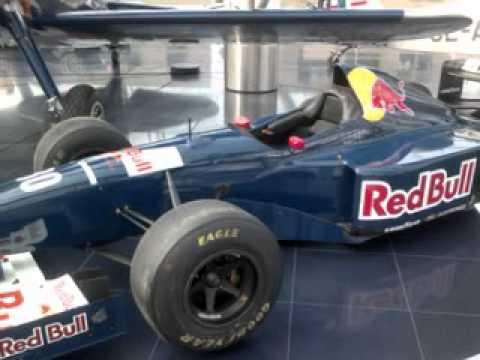Red Bull Hangar F1 Salzburg 2011.avi