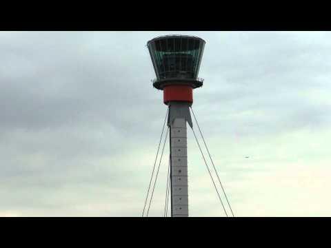 """ATC - Heathrow Director 119.725 """"Bad weather"""""""