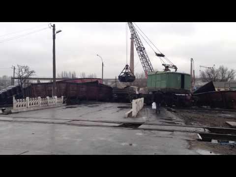 Сход с рельс грузового поезда город Луганск 20.01.2014