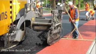 Rolling out a red carpet for cyclists (Netherlands)