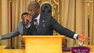 """Dr. Jamal Bryant """"We Can Do This"""" at New Life Cathedral"""