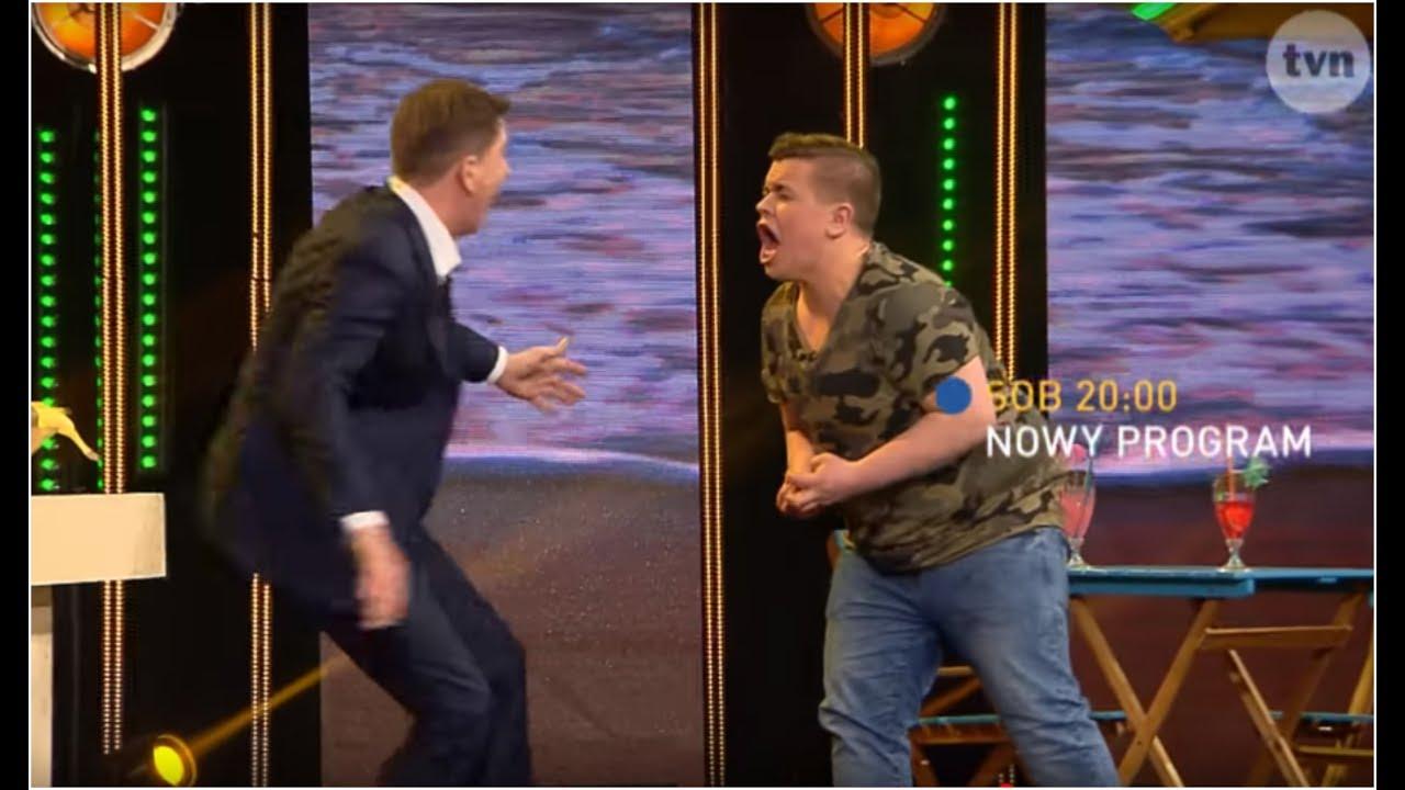 """Zamienił się w dinozaura! Oglądaj 'Hipnozę"""" w sobotę o 20:00 w TVN!"""