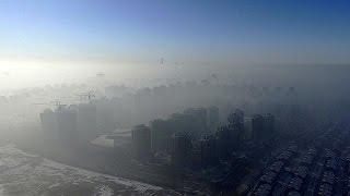 فيديو| الصينيون يستقبلون العام الجديد بسحابة من التلوث