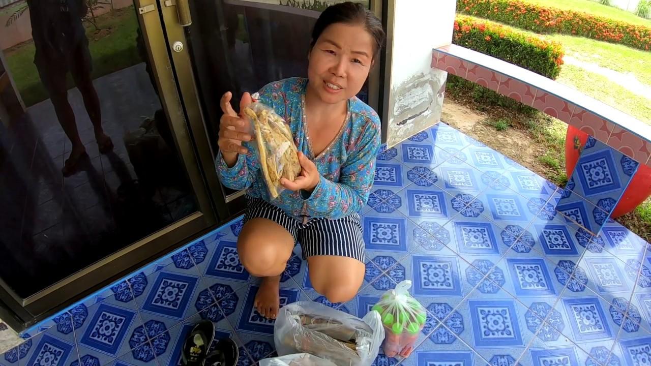 จี่หนังให้ยายซ่าส่งลูกค้า อาหารสุดประหยัดของคนอีสาน