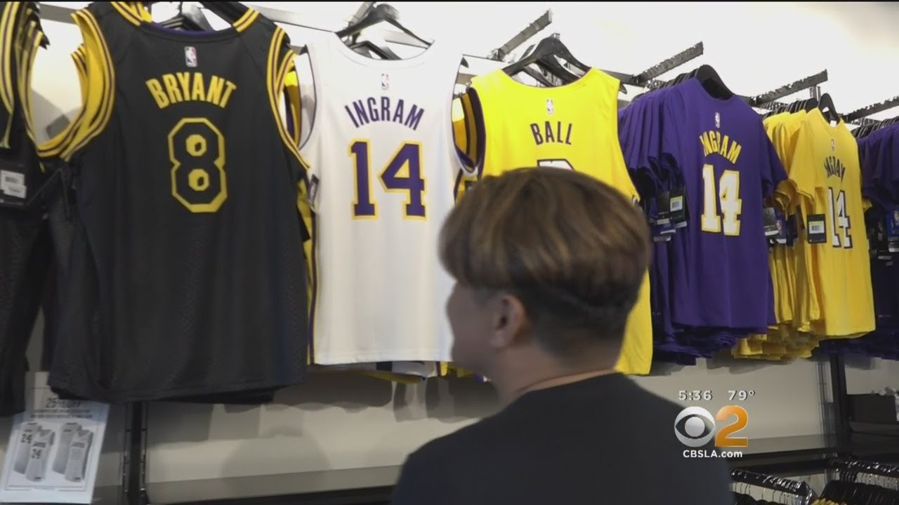 big sale 82a6c d7073 Lakers Fans On The Hunt For LeBron Merch