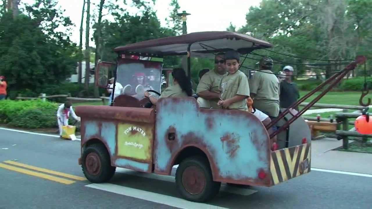 disneys fort wilderness campground halloween golf cart parade highlights 2011 including tow mater youtube