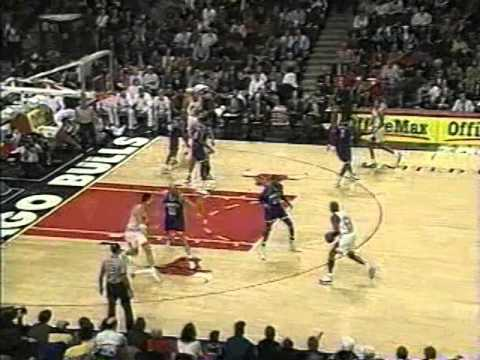 95/96 Chicago Bulls vs Charlotte Hornets (08.04.1996) – Michael Jordan 40 Points