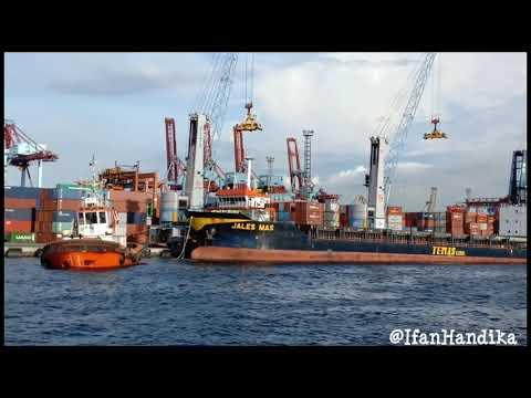 Kapal Kontainer JALES MAS | Pelabuhan Tanjung Priok,Jakarta Utara |