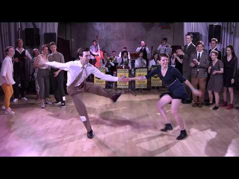 Вопрос: Как одеваться для танца в стиле свинг?