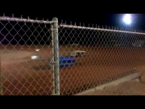 brandon hadden start of the heat race super street at modoc 5-14-2016