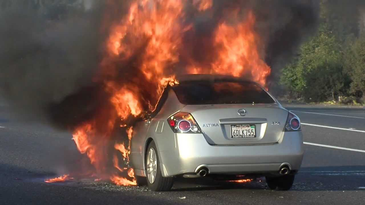 nissan altima on fire