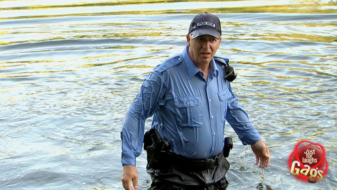 Gag comique - La police à l'eau