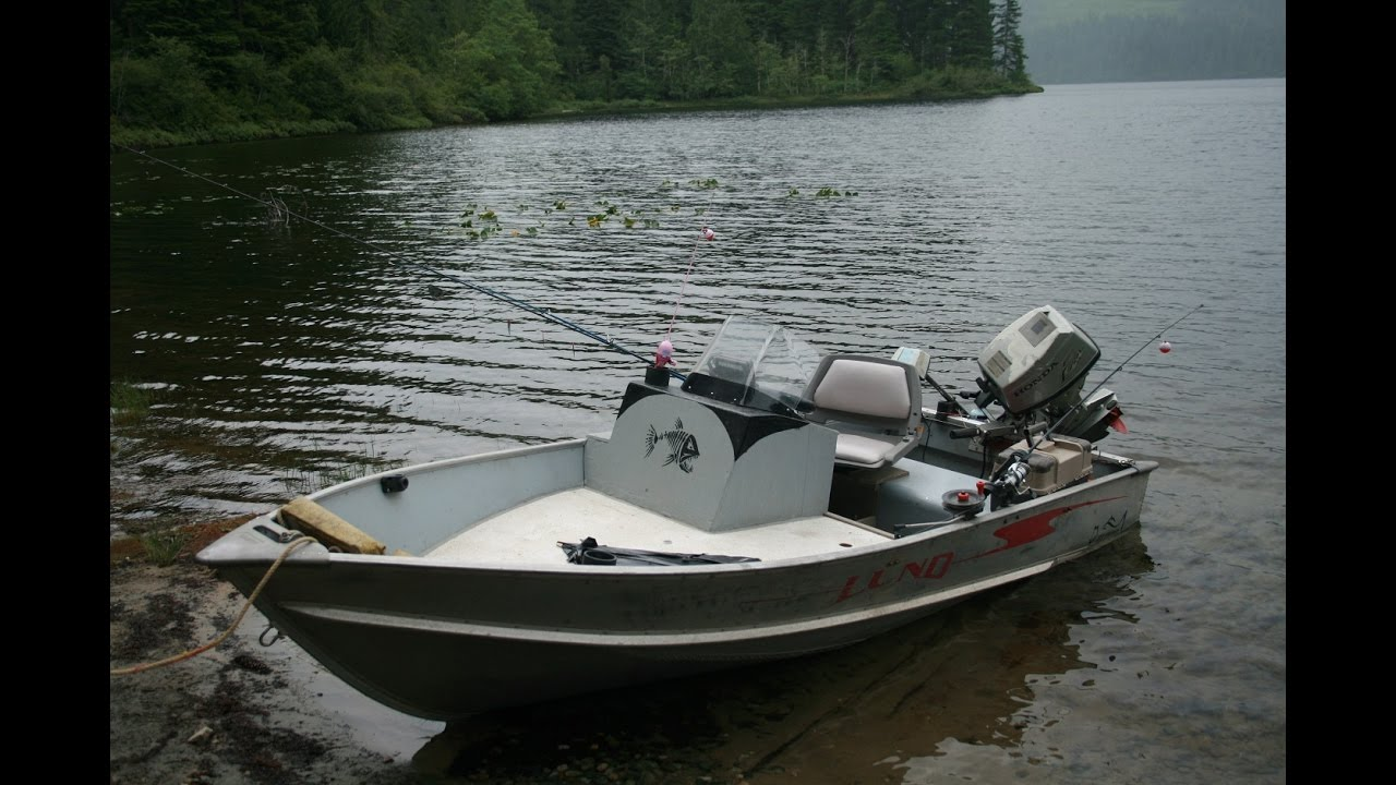 12 Foot Aluminum Lund Upgraded For Fishing With Console