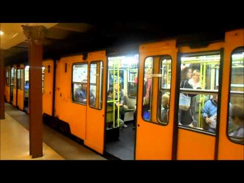 Metro Budapest - Station Opera M1