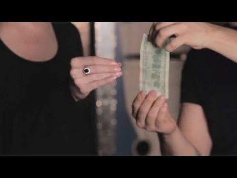 How To Do The Catch The Dollar Trick | Card Tricks