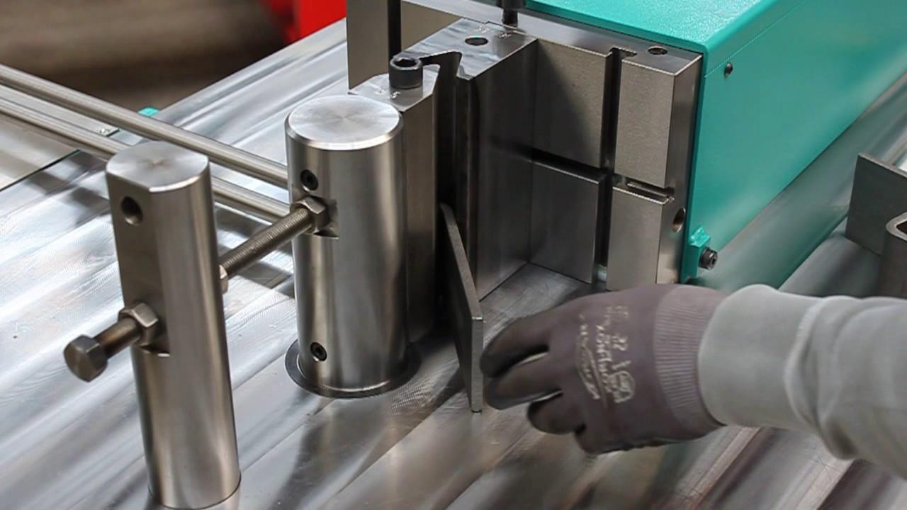 Metal bending machine for horizontal bending | Stierlie-Bieger