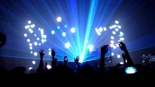 The Chemical Brothers - Escape Velocity + Superflash (Live in Taipei, Taiwan Jul 26, 2011)