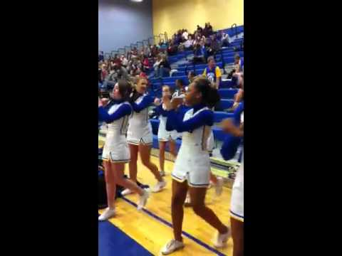 King George Middle School cheerleaders
