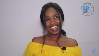 Ndogou_Aicha_Koné_de_Sen_Petit_Gallé_avec_la_famille_Sing_Sing