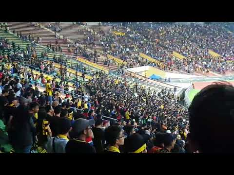 Ultras Malaya Chant 'Selamanya Harimau Malaya' with Malaysia & Singapore National Anthem | Part 6