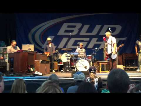 JJ Grey and Mofro at Flood City Music Festival, 8/8/15