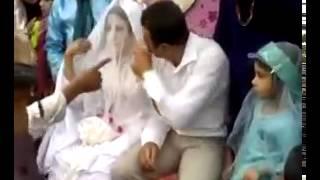 Муж ударил Жену в день свадьбы    Вы смотрите канал Halo MaDRiD ^ ^    Видео на TopVideo 1