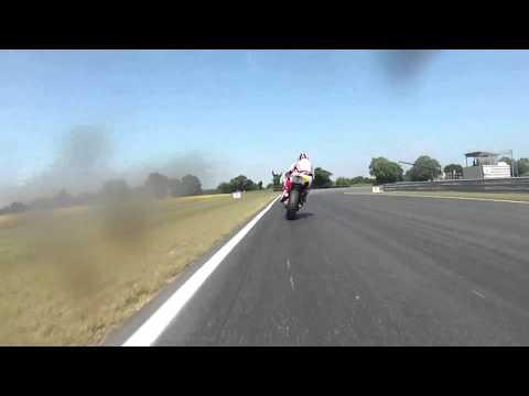 Snetterton R1 onboard with Milwaukee Yamaha's James Ellison