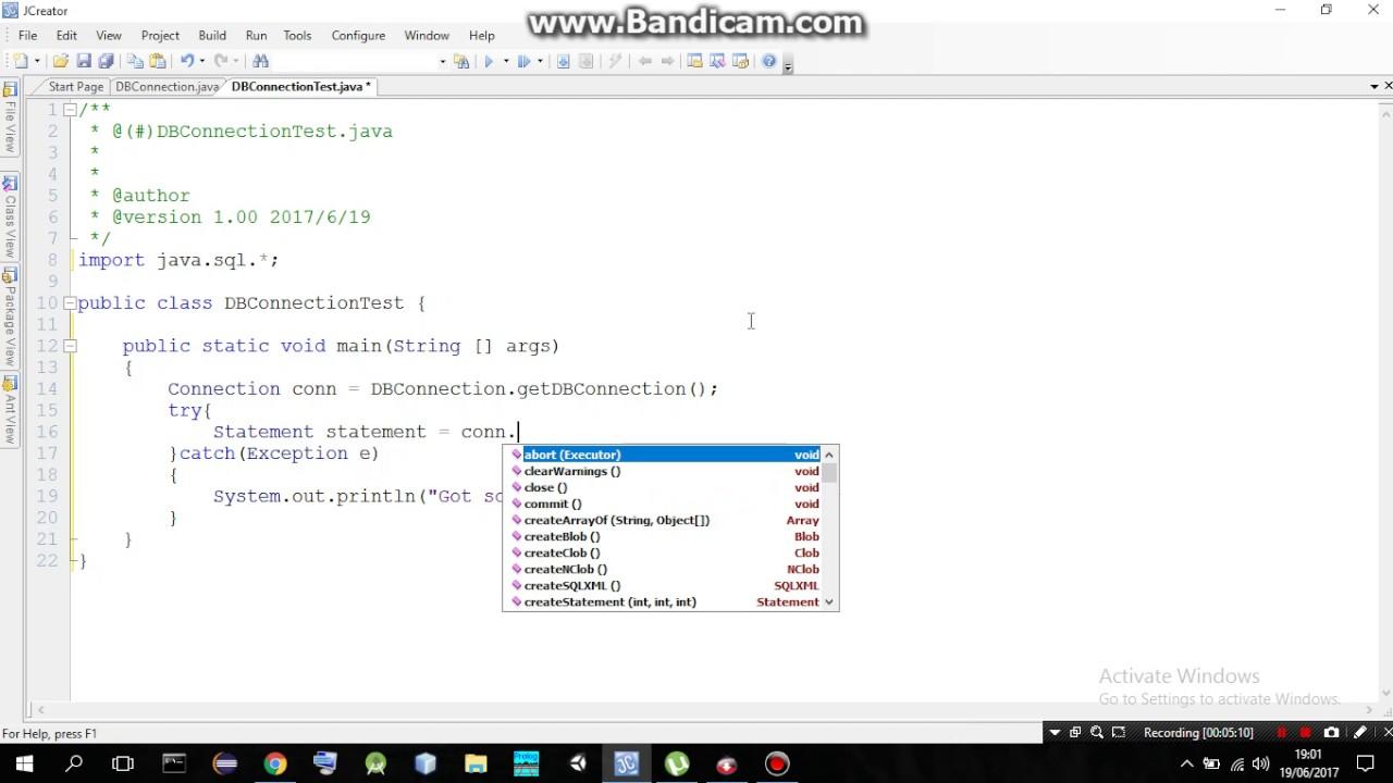 Java Database Connection using Singleton pattern Class
