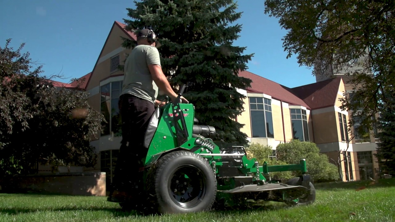QuickCat™ 4000 | Stand-On Mower | BOB-CAT® Turf