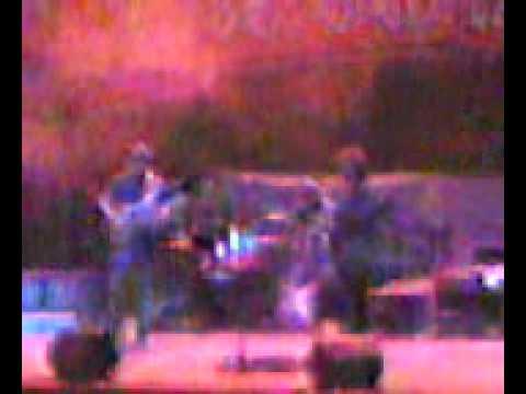 Felipe Cazaux e De blues em Quando Juntos no palco. ^^)