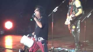 Alice Cooper - Caffeine - live at Crocus City Hall Moscow 07.10.2013