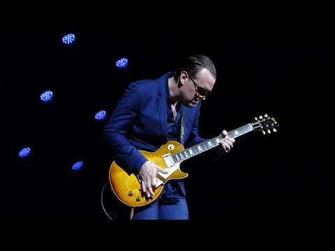Joe Bonamassa - Let Me Love You Baby - 7/5/16 Colston Hall - Bristol, UK