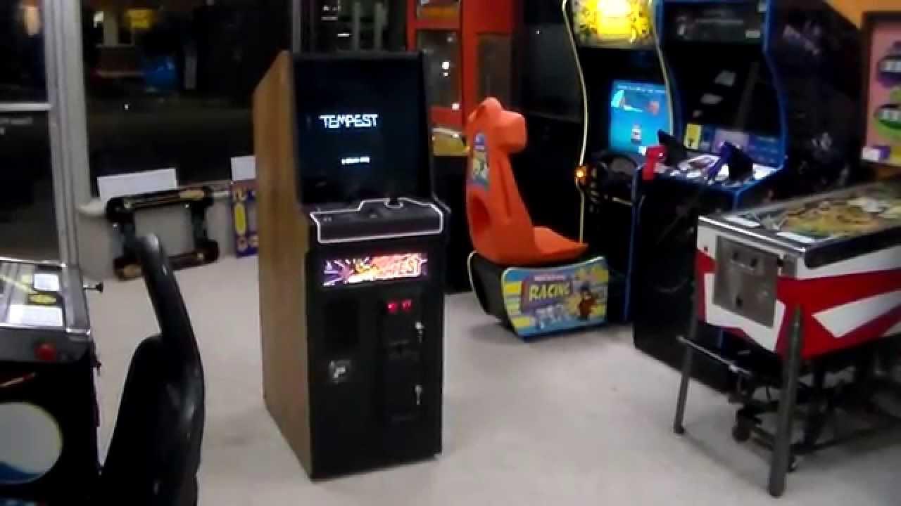 Atari's classic 1981 Tempest Color Vector Arcade Game - Cabaret ...