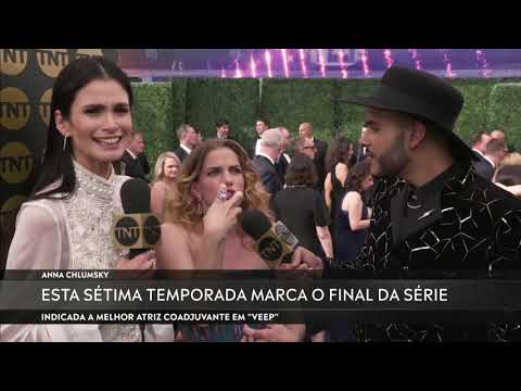 ANNA CHLUMSKY SABE FALAR PORTUGUÊS | #EmmyTNT
