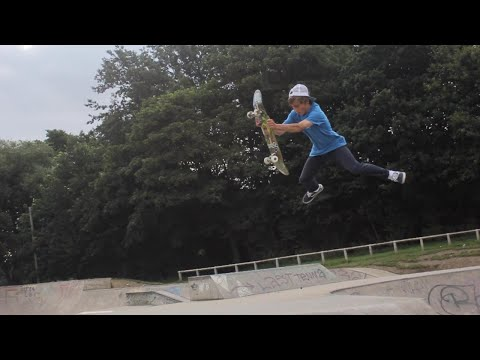 Ridiculous Skatepark Session! (Thornes Skatepark) - The Archives 055