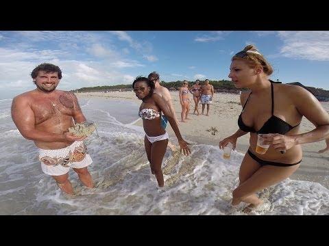 Видео Большая грудь крупным планом