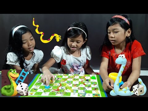 Mainan Anak Ular Tangga 💖 Serunya Main Bareng Sepupu...  💖 Snakes and Ladders Toys For Kids