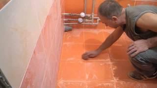 Укладка плитки на пол в ванной комнате ч.4