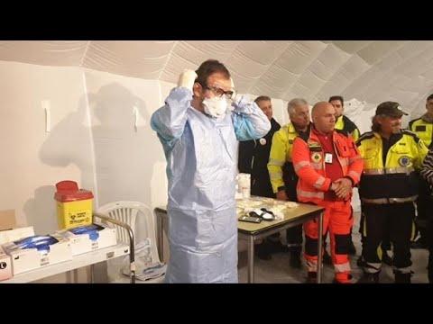 Coronavirus, allo Spallanzani gli operatori sanitari si preparano così per assistere i malati